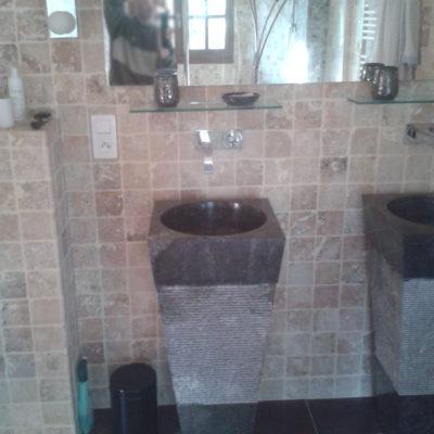 Salle de bain en travertin (marbre)
