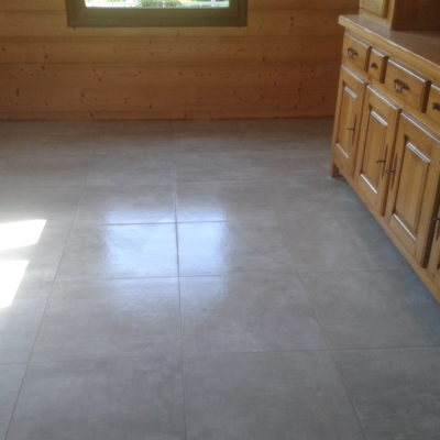 Sol salle à vivre 60x60 gris taupe