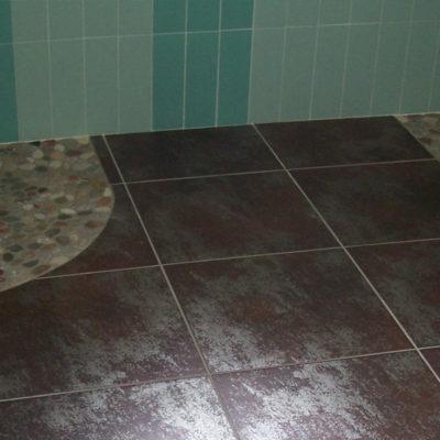 Sol salle de bain imitation métal rouillé